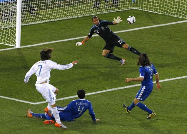Grecia-Argentina 0-2: un tentativo di Samaras (Reuters)
