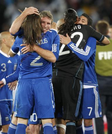 Grecia-Argentina 0-2: l'esultanza degli argentini (Reuters)