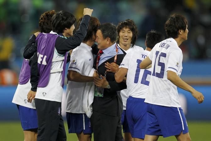 Nigeria-Corea del Sud 2-2: la gioia dei sudcoreani (Reuters)