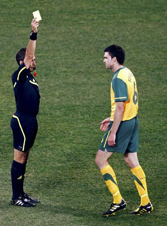 Australia-Serbia 2-1: cartellino giallo all'australiano Beauchamp  (Reuters)