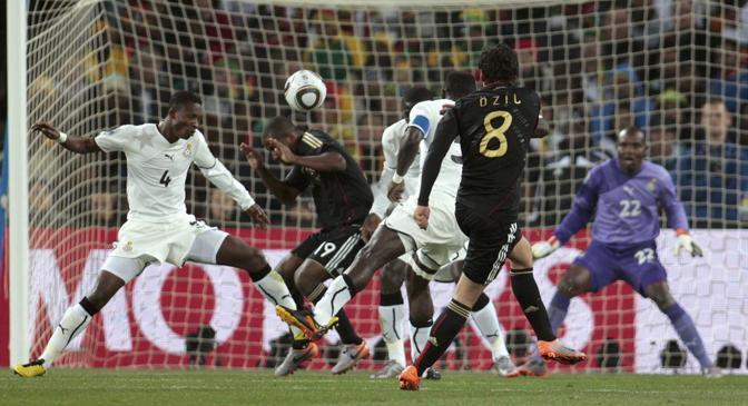 Ghana-Germania 0-1: il gol di Özil (Reuters)
