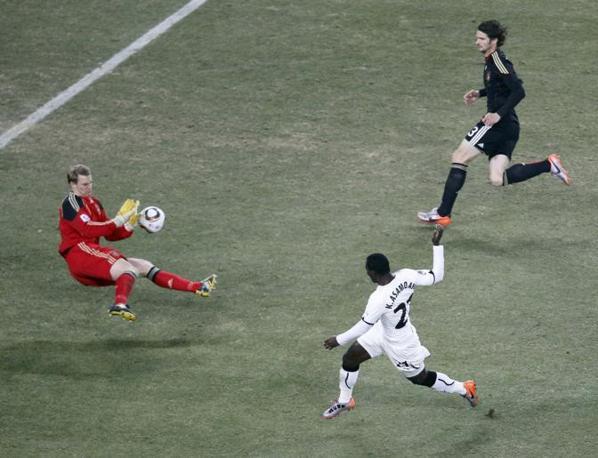 Ghana-Germania 0-1: parata del portiere tedesco Manuel Neuer  (Reuters)