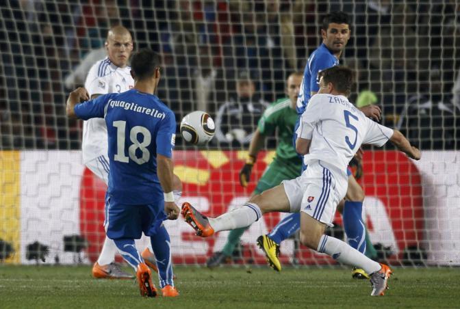 La rete di Quagliarella riporta l'Italia sotto di un solo gol, ma il risultato finale resta quello che condanna l'Italia  (Ap)