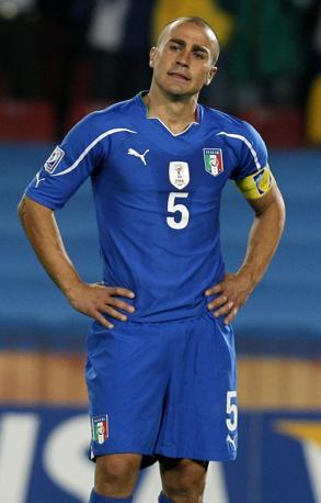 La delusione di Cannavaro alla fien del match (Ap)