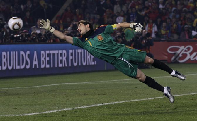Cile-Spagna: tuffo di Iker Casillas (Ap)