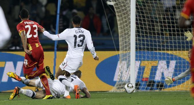 Al 5' minuto di gioco il Ghana passa in vantaggio con una rete di Prince Boateng (Ap)
