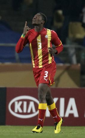 Gyan indica il cielo dopo il gol (Ap)