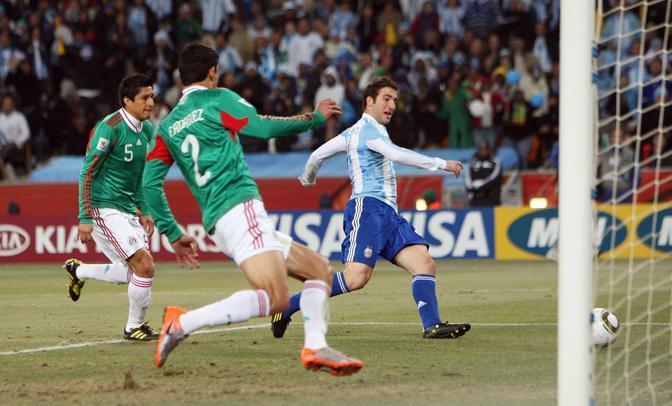 Argentina-Messico: Il gol di Gonzalo Higuain (Lapresse)