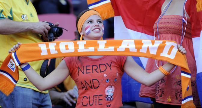 Olanda-Brasile 2-1: tifosa olandese (Epa)