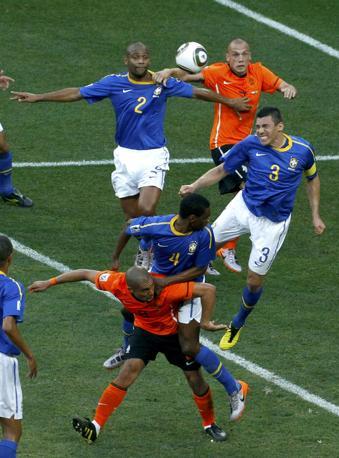 Olanda-Brasile 2-1: un momento del match (Reuters)