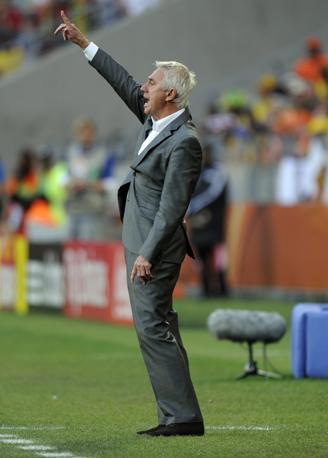 Olanda-Brasile 2-1: l'arbitro olandese Bert van Marwijk (Epa)