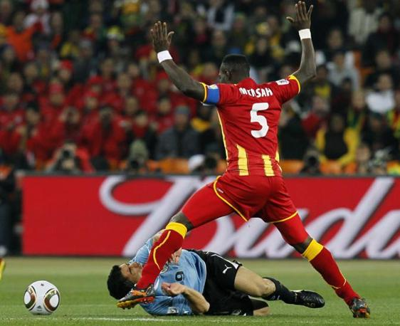 Uruguay-Ghana 5-3: Suarez e Mensah (Ap)