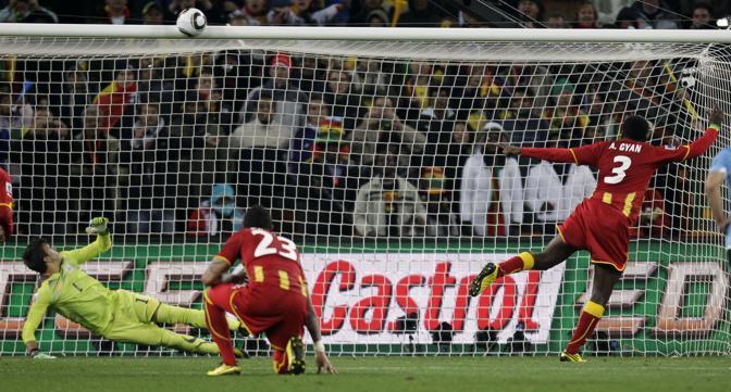 Uruguay-Ghana 5-3: Gyan sbaglia un rigore (Ap)