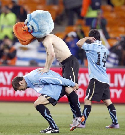 Uruguay-Ghana 5-3: festa dei sudamericani (Reuters)