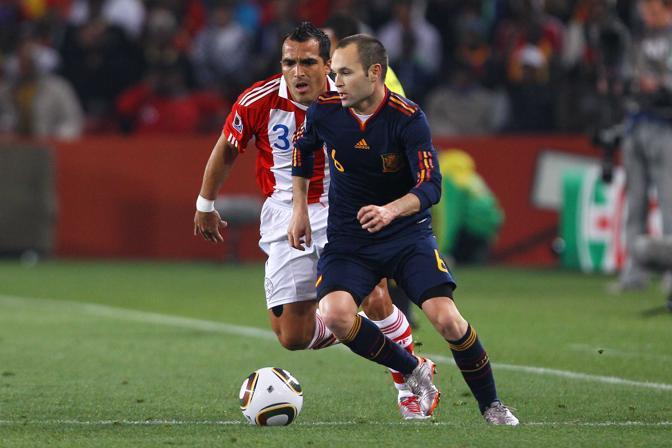 Andres Iniesta e Claudio Morel (Lapresse)