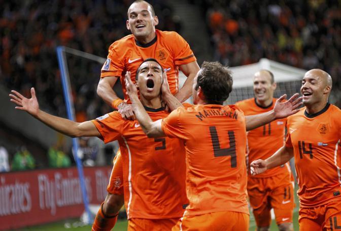 La festa dopo il vantaggio degli oranje (Reuters)