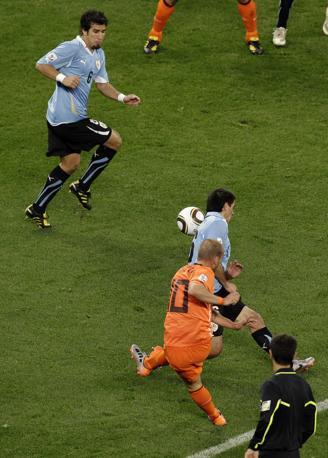 Sneijder porta in vantaggio l'Olanda (Ap)