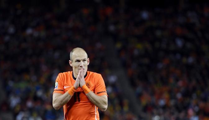 Sguardo preoccupato per  Arjen Robben (Dylan Martinez/Reuters)