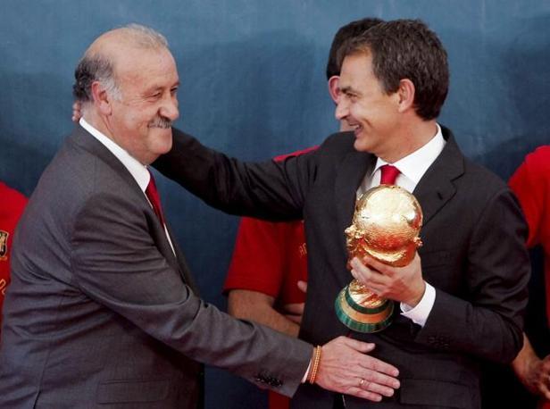 Del Bosque e Zapatero (Epa/Emilio Naranjo)
