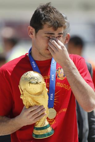 Il portiere Casillas è ancora commosso (Ap/Armando Franca)