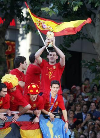 Più di un milione di persone per la strade di Madrid per festeggiare i campioni del mondo  (Ap/Victor R Caivano)