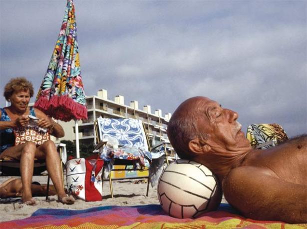 Antibes, Francia, 1992. Foto: Peter Marlow, Magnum Photos