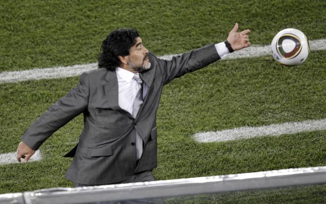 Maradona non è stato fermo per tutta la partita: qui una parata (Ap)