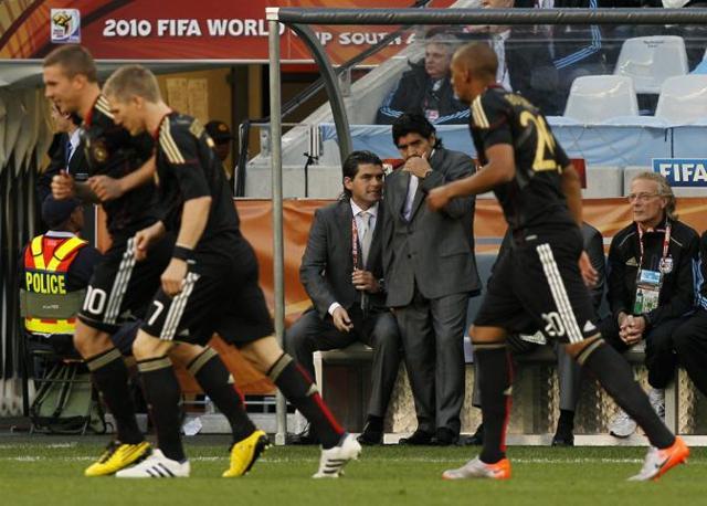 La Germania subito in gol. Maradona si consulta con i suoi (ap)