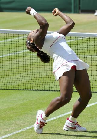 La vittoria di Serena: è la quarta sull'erba londinese (Reuters)