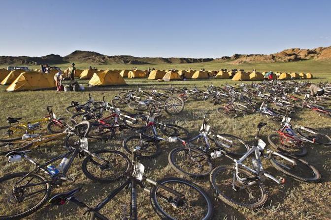 Le bici in attesa della partenza