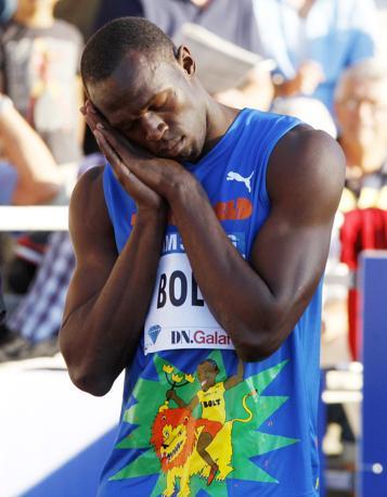 Come sempre Bolt ha fatto una delle sua famose scenette alla partenza della batteria  (Ap/Probst)
