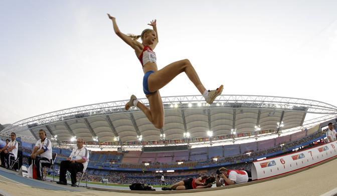 La russa ha anche un suo sito internet, dove sono visibili molte foto non solo di gara... (Ap/David J Phillip)