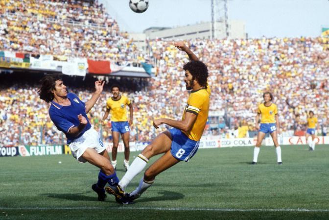 Durante la leggendaria Italia-Brasile 3-2 (in cui segnò il gol del momentaneo 1-1) (Ipp)