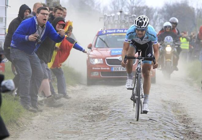 Boonen in fuga, i tifosi esultano (Reuters/Pascal Rossignol)