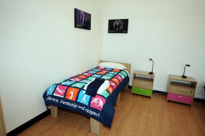Le stanze che ospiteranno gli atleti, arredamento minimal e senza fronzoli (Reuters/Heavey)
