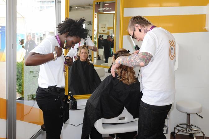 Spazio anche al trucco e parrucco: a disposizione degli atleti un team di hair stylist (Corbis)