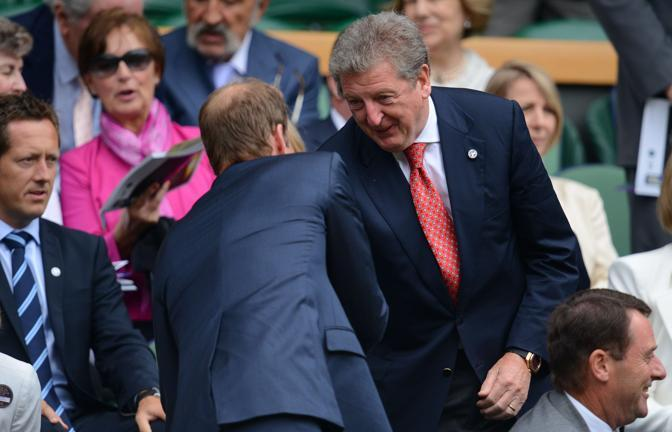 Il principe William saluta il ct della nazionale inglese Roy Hodgson (Afp/Neal)