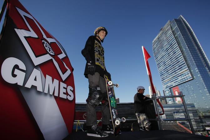 Le spettacolari acrobazie agli X Games di skateboard a Los Angeles (Reuters)