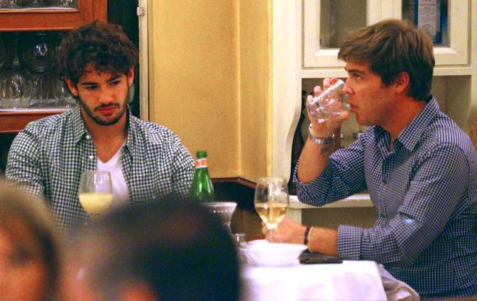 Milano, cena da single con un amico per  uno sconsolato Alexandre Pato (Olycom)