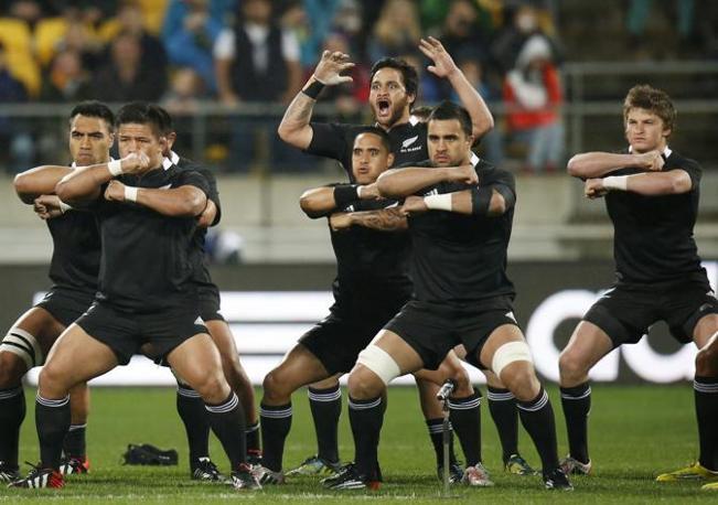 Piri Weepu guida la Haka degli All Blacks (Reuters)