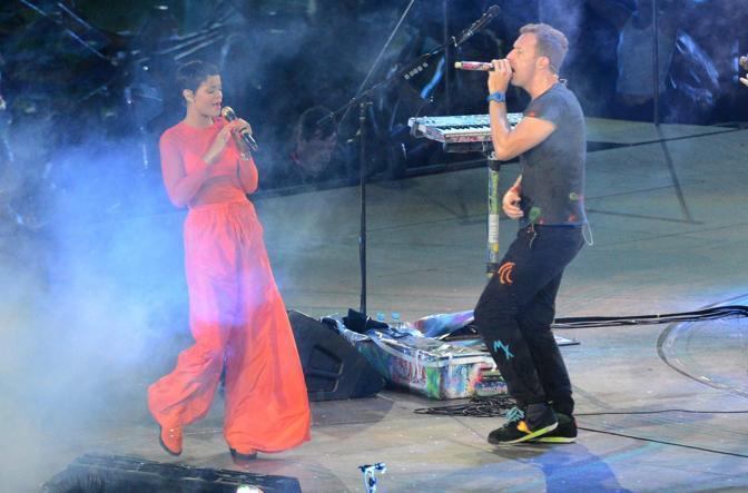 I Coldplay e Rihanna si sono esibiti nella cerimonia di chiusura delle Paralimpiadi a Londra. Per il numero di spettatori e Paesi collegati, più di 100, tramite la tv, è stata un'edizione da record.  (Epa)