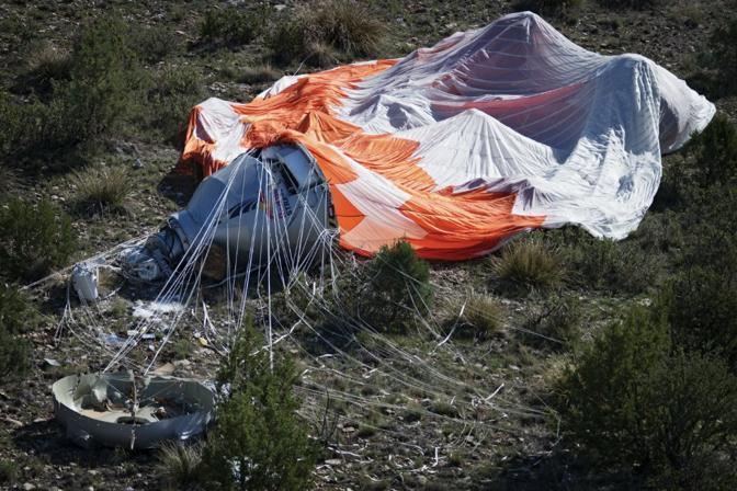 La capsula e il suo paracadute (foto Red Bull)
