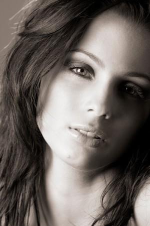 La bella italoaustraliana Melissa Ambrosini, attrice, ex ballerina del Moulin Rouge a Parigi e conduttrice tv. La federugby insegue il fratello James, ma da noi può sfondare anche lei (dal sito ufficiale)