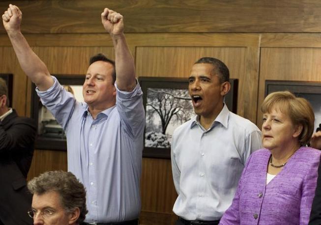E il premier inglese Cameron perde l'aplomb (Reuetrs/Souza)