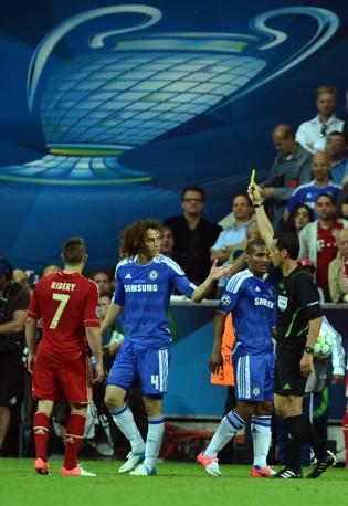 David Luiz (Chelsea) ammonito (Afp/Stollarz)