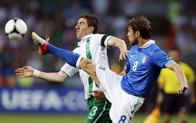 Ward cerca di superare Marchisio (Epa/Cierieszko)