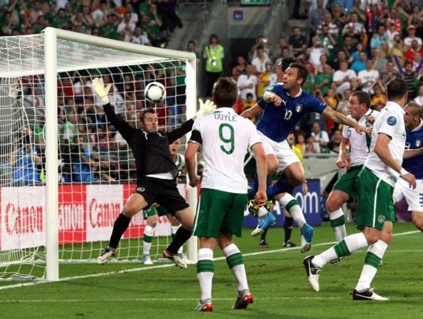 Il gol di Cassano visto da un'altra angolazione, Italia al riposo in vantaggio ( Fabrizio Forte)