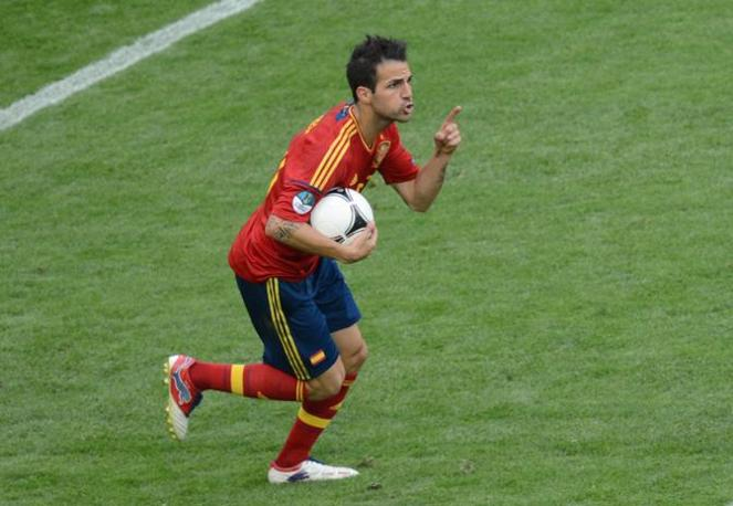 Fabregas festeggia il gol (Afp)