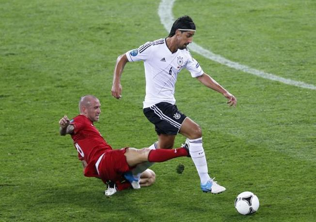  Raul Meireles e Sami Khedira (LaPresse)