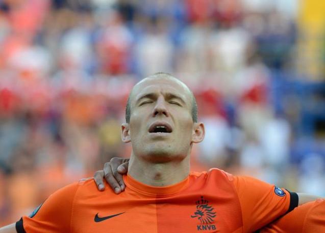 Olanda-Danimarca, Arien Robben appare molto teso al momento dell'inno nazionale (Afp/Hertzog)